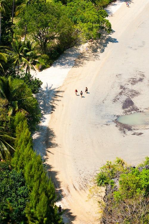 Thailand Travel Photography Tourists Walking Along Deserted East Railay Rai Leh Beach South Thailand Southeast Asia