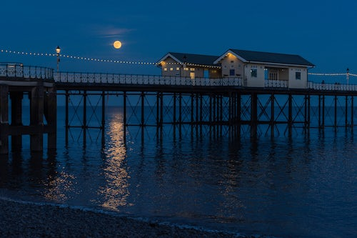 Wales Landscape Photography Penarth Pier moon rising during supermoon moon rise Penarth Cardiff Wales