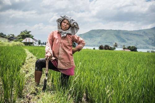 Documentary Travel Portrait Photography by UK London Documentary Portrait Photographer Indonesia Lake Toba