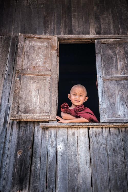 Documentary Travel Portrait Photography by UK London Documentary Portrait Photographer Myanmar Burma Kalaw