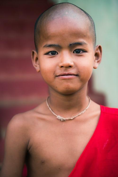 Documentary Travel Portrait Photography by UK London Documentary Portrait Photographer Myanmar Burma Pindaya 2